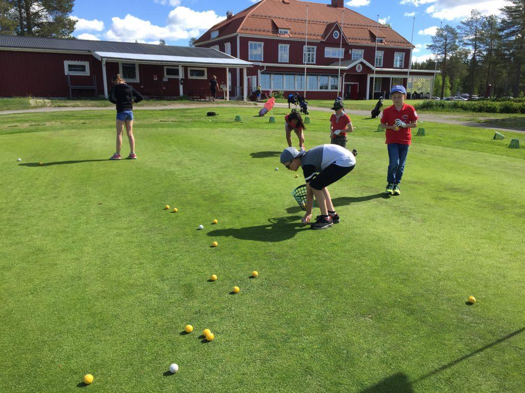 Chippinggreen öppnade idag när Luleå Golf Camp drog igång.